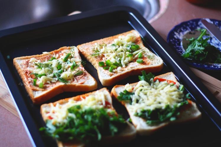 tuile-and-tea-pizza-bread2