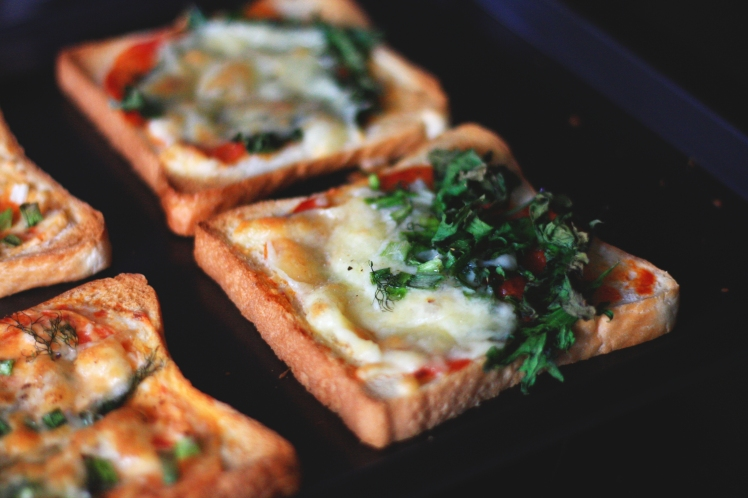 tuile-and-tea-pizza-bread1