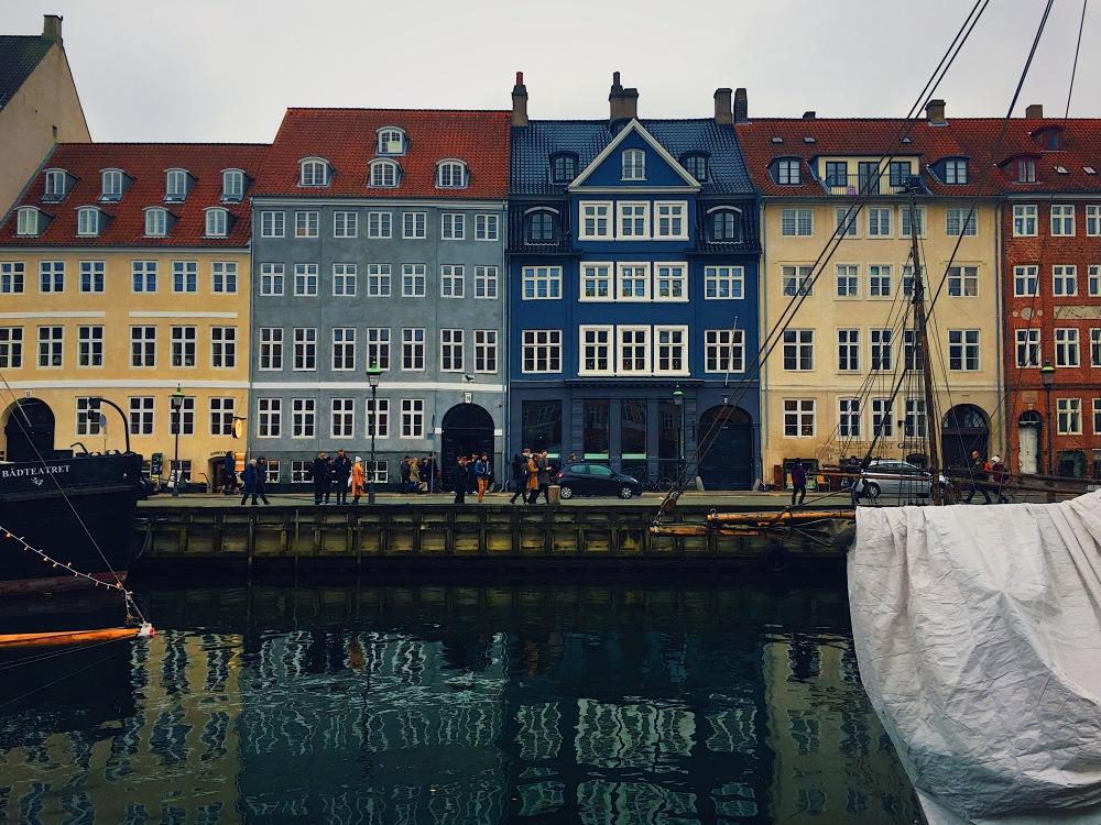 canal view nyhavn copenhagen